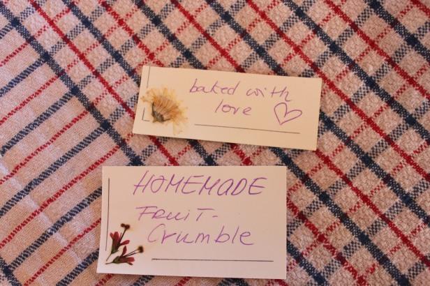 Die kleinen Karten mit gepressten Blüten stammen von Chris Großmutter Joan - hergestellt vor 30 Jahren in Queenstown.